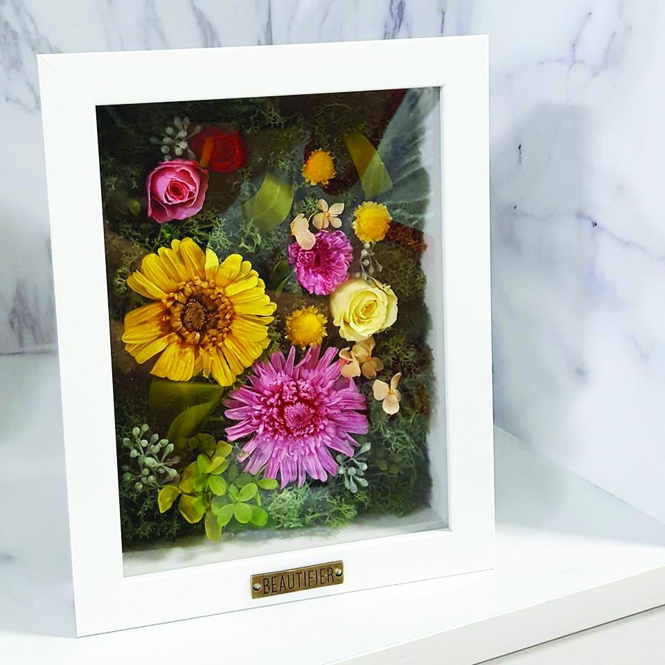 LED Heart-shaped Preserved Flower Portrait - WELLNESS - K11