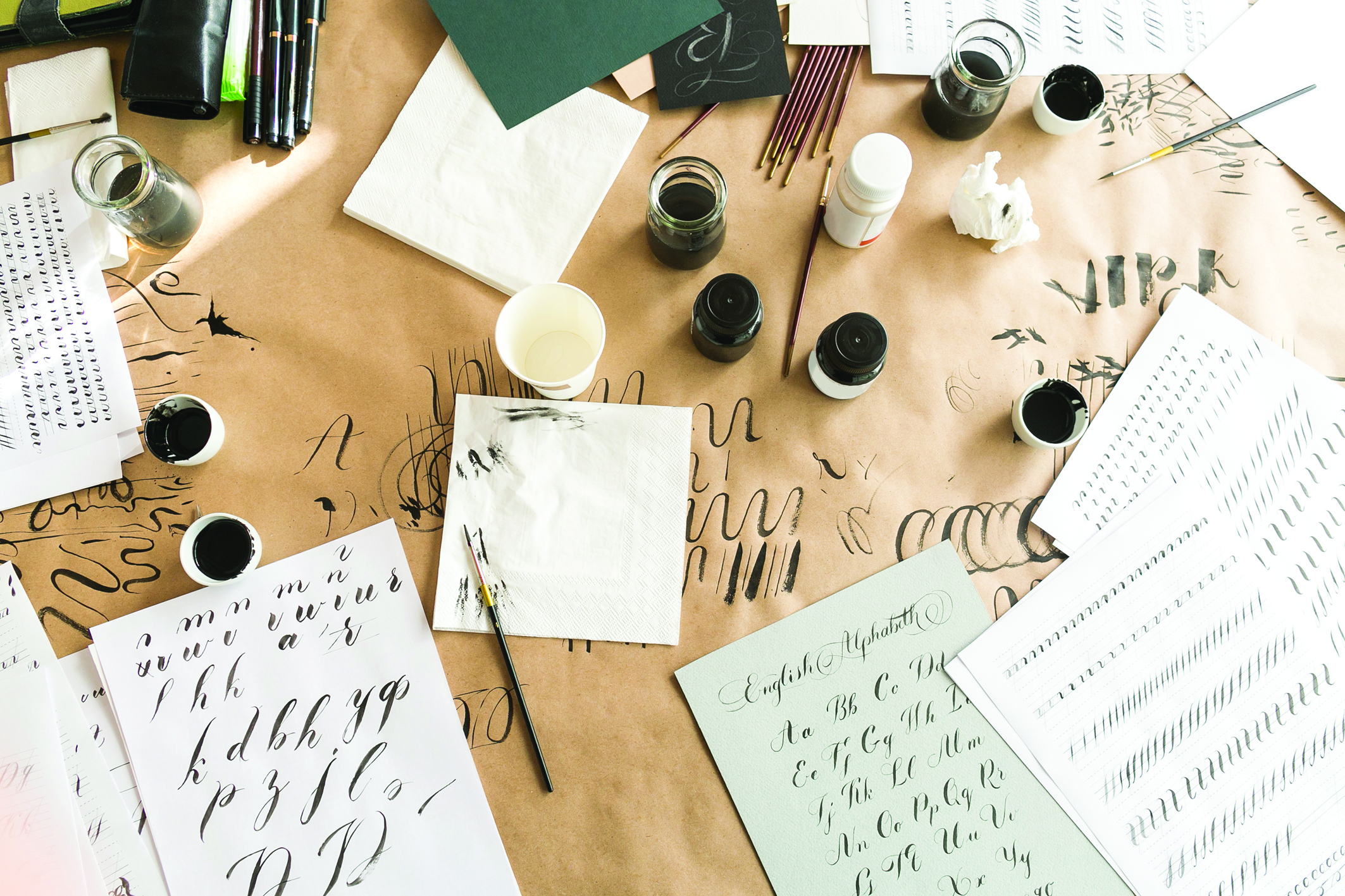 Write it Right! The Art of Calligraphy with Young Lettering Maestro - DESIGN - K11